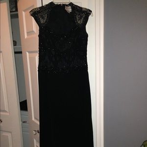 Bob Mackie Boutique Beaded Gown Size 6